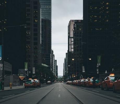 Uber kontinuirano u problemima: Nakon prometne nesreće privremeno obustavljeni testovi samovozećih automobila